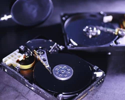 Hard disk drive with platter